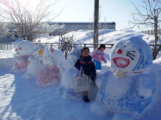 保育園の雪だるま2012