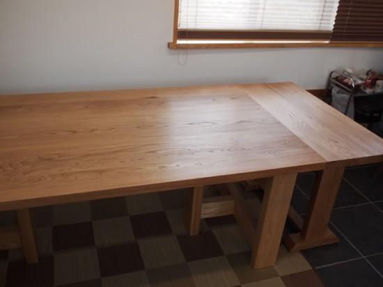 ナラダイニングテーブルとティーテーブル10