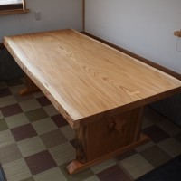 埼玉県・星野様の総欅造りダイニングテーブルが完成20140422