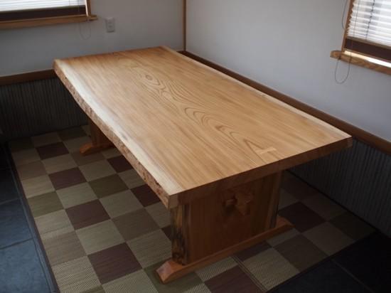 総欅造り一枚板ダイニングテーブル1