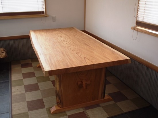 総欅造り一枚板ダイニングテーブル9