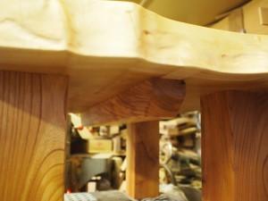 総欅造り一枚板座卓2台完成-3