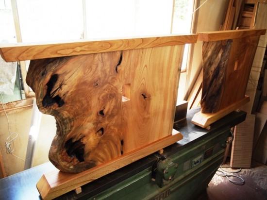 欅一枚板テーブル(くさび留め耳付き板脚)3