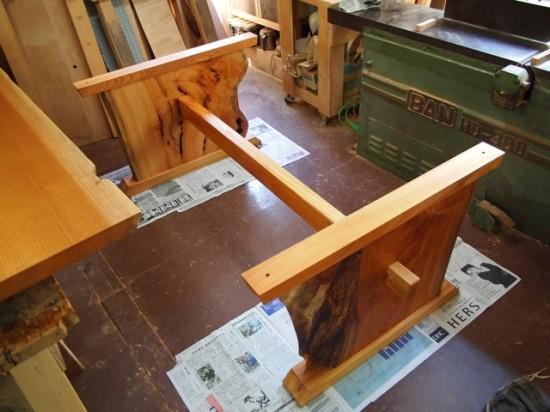 欅一枚板テーブル(くさび留め耳付き板脚)6