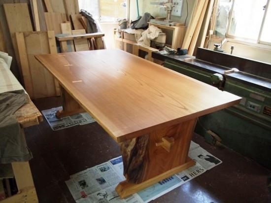 欅一枚板テーブル(くさび留め耳付き板脚)14