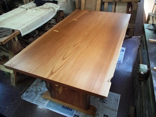 欅一枚板テーブル(くさび留め耳付き板脚)13
