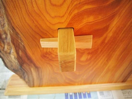 欅一枚板テーブル(くさび留め耳付き板脚)7