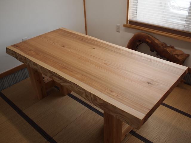 総杉造り一枚板テーブル完成20140621(杉テーブル・座卓兼用脚)1