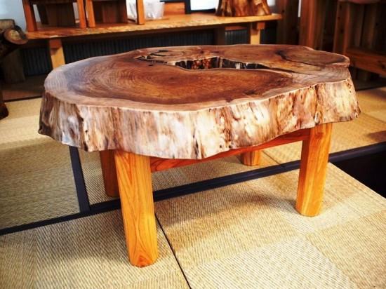 胡桃輪切りのティーテーブル2
