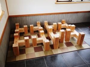 杉一枚板厚盤座卓3台、完成(座卓専用脚)3