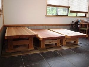 杉一枚板厚盤座卓3台、完成(座卓専用脚)5