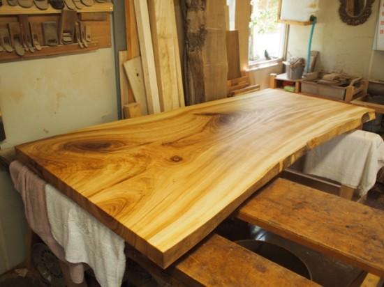 安藤様楠一枚板ダイニングテーブル1