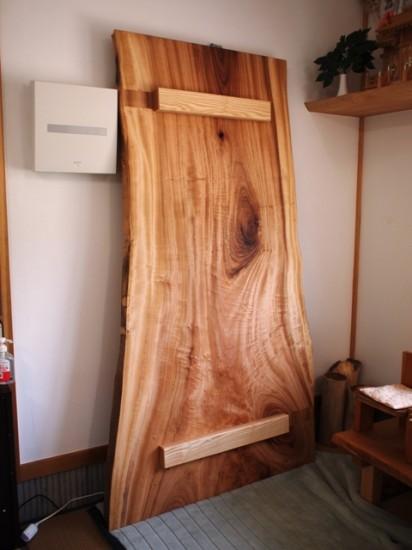楠一枚板ダイニングテーブル3