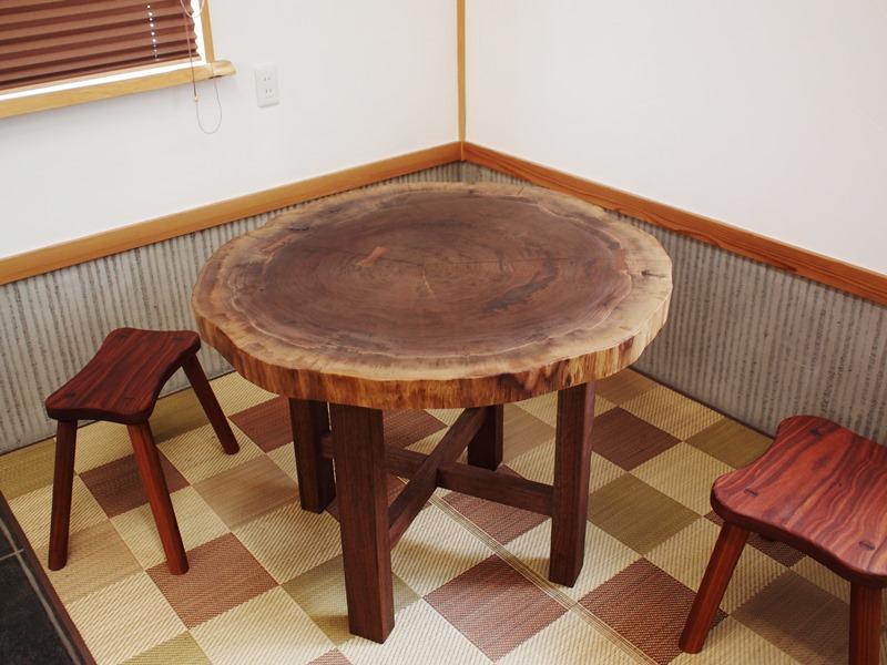 総ブラックウォルナット造り輪切りテーブル、完成20140730-1