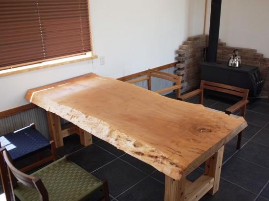 欅一枚板ダイニングテーブル梱包作業中3