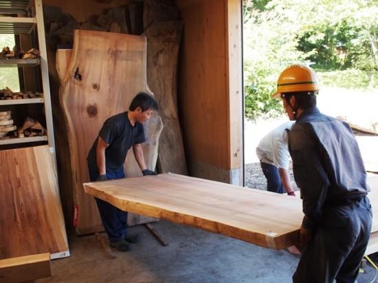 テーブル・座卓向け杉一枚板大量入荷!20130904-2