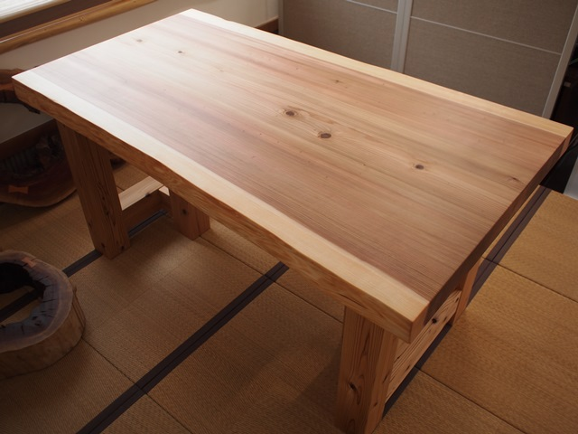 千葉県槻舘様杉一枚板厚盤テーブル、完成!20131002