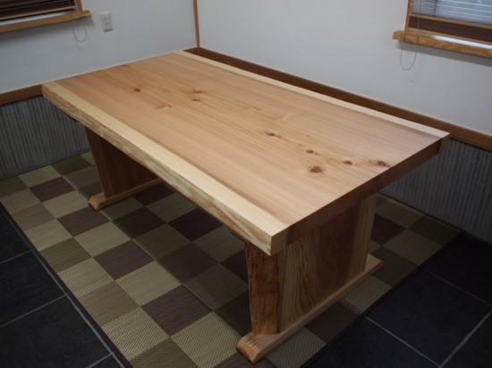 杉一枚板ダイニングテーブル完成!~総杉造り耳付き板脚タイプ~5
