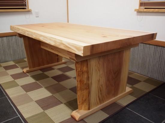 杉一枚板ダイニングテーブル完成!~総杉造り耳付き板脚タイプ~7