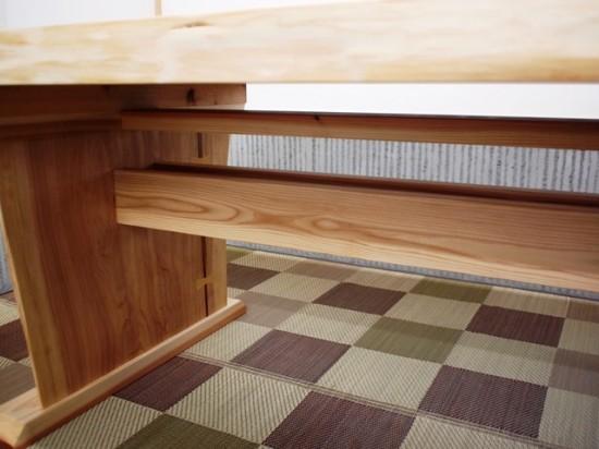 杉一枚板ダイニングテーブル完成!~総杉造り耳付き板脚タイプ~3