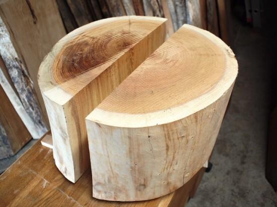 欅丸太半割脚