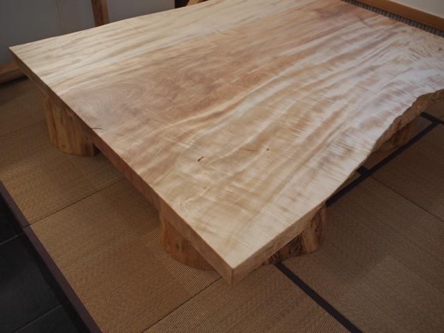 栃一枚板座卓(欅空洞木半割脚)4