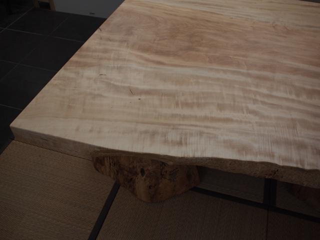 栃一枚板座卓(欅空洞木半割脚)5