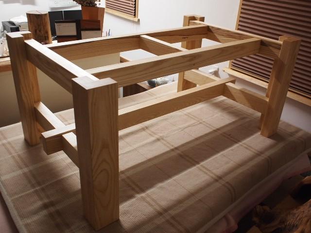 栃一枚板テーブル脚2