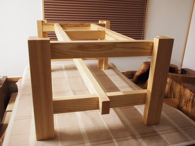栃一枚板テーブル脚1