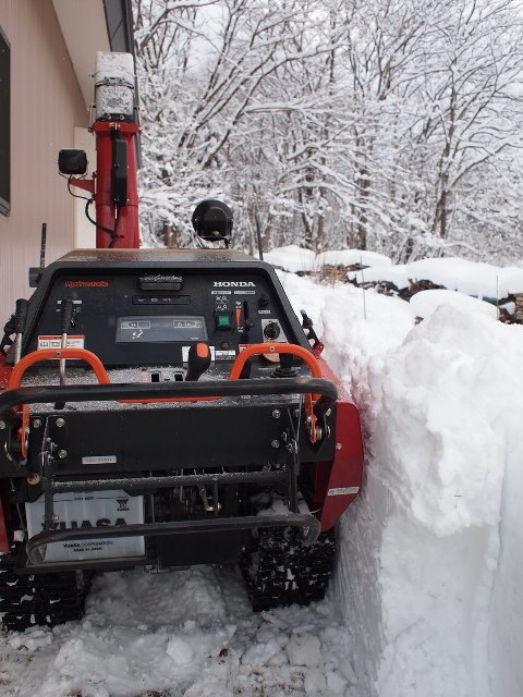 午後は半日除雪作業