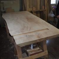 栃一枚板ダイニングテーブルの製作風景20121221