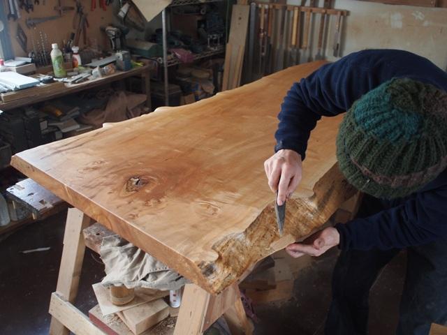 栃一枚板ダイニングテーブル最終調整