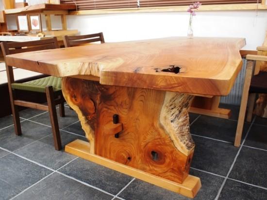 欅一枚板ダイニングテーブル完成3