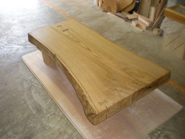 栗一枚板厚盤の座卓1
