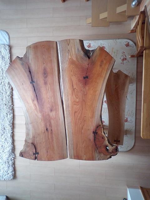 欅一枚板のダイニングテーブル(ブックマッチ風)3