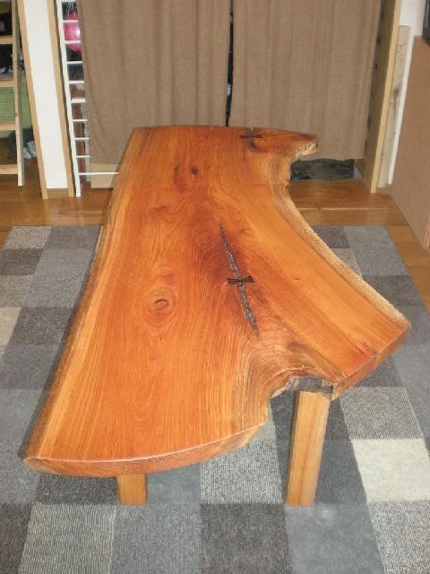 ケヤキのダイニングテーブル1