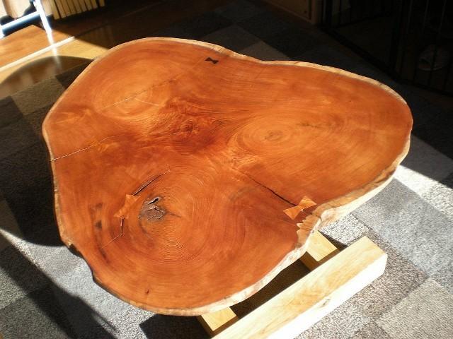 欅一枚板輪切りのテーブル2