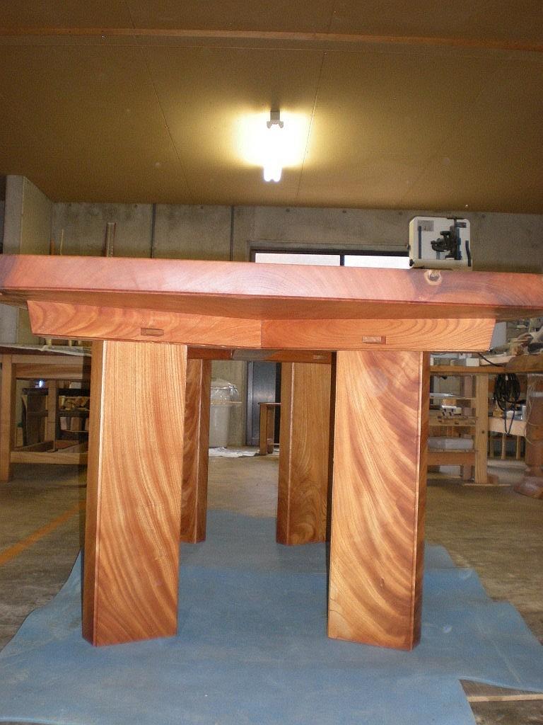 欅広幅一枚板のダイニングテーブル2