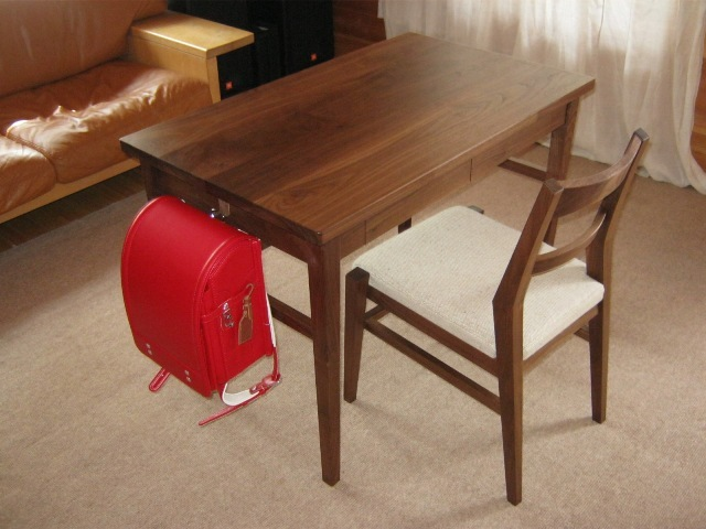 ブラックウォルナットの勉強机と椅子a