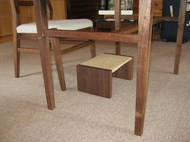 ブラックウォルナットの勉強机と椅子b