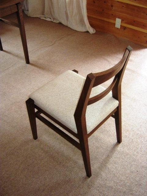 ブラックウォルナットの勉強机と椅子g