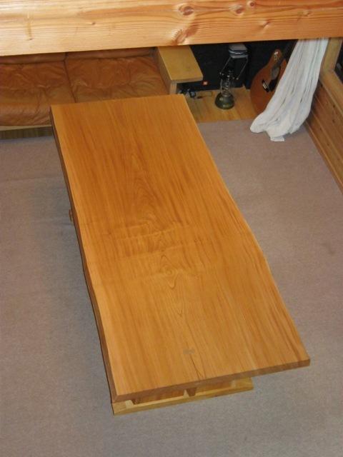 欅一枚板ダイニングテーブル(くさび留め耳付き板脚)2
