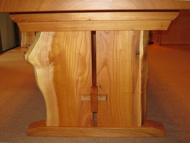 欅一枚板ダイニングテーブル(くさび留め耳付き板脚)4