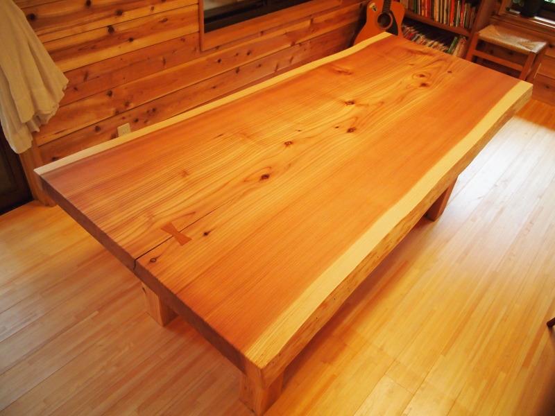片桐様の杉一枚板ダイニングテーブル1
