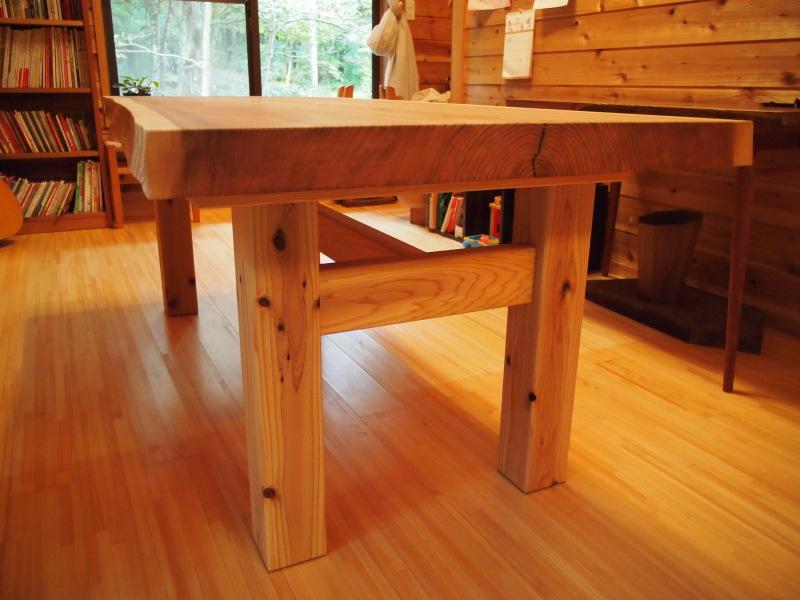 片桐様の杉一枚板ダイニングテーブル4