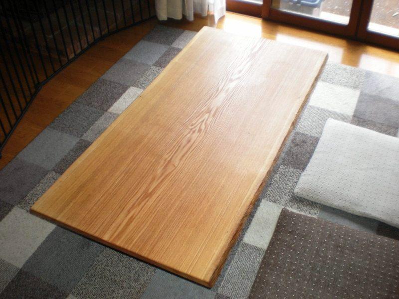 タモ一枚板の座卓3