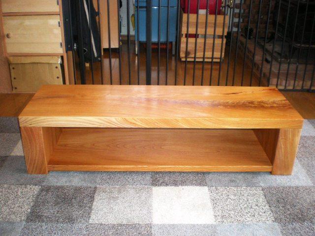 欅一枚板のAVボード(テレビ台)1