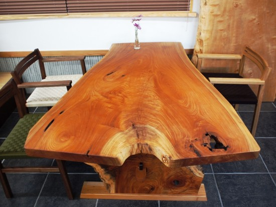 欅一枚板ダイニングテーブル組立10