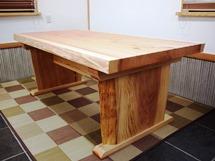 杉一枚板ダイニングテーブル~耳付き板脚タイプ~