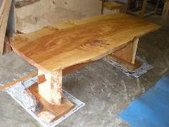 水目桜テーブル(くさび留め耳付き板脚)